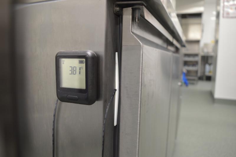 Ledusskapju un saldētavu temperatūras sensoru uzstādīšanas aprīkojums-1