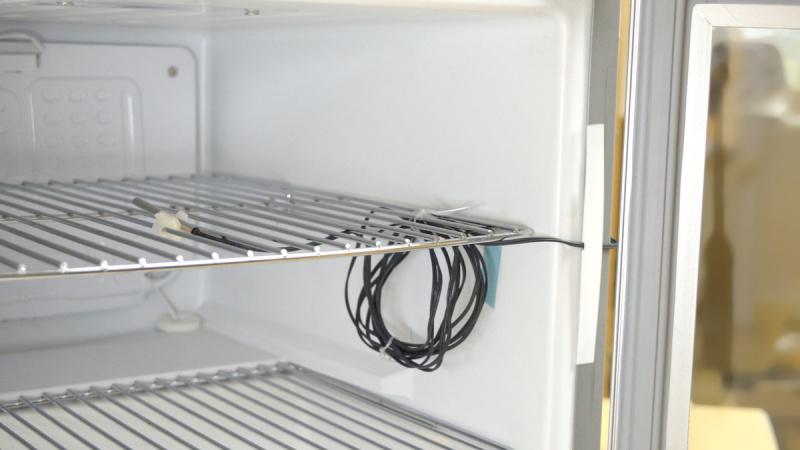 Ledusskapju un saldētavu temperatūras sensoru uzstādīšanas aprīkojums-7