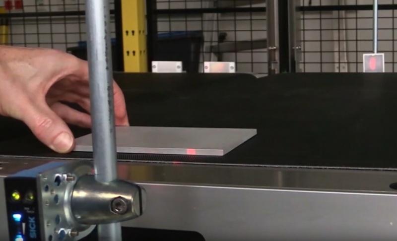 SICK Reflex Array sensori ar 2D gaismas joslu – daudzveidīgu objektu noteikšanai.-3